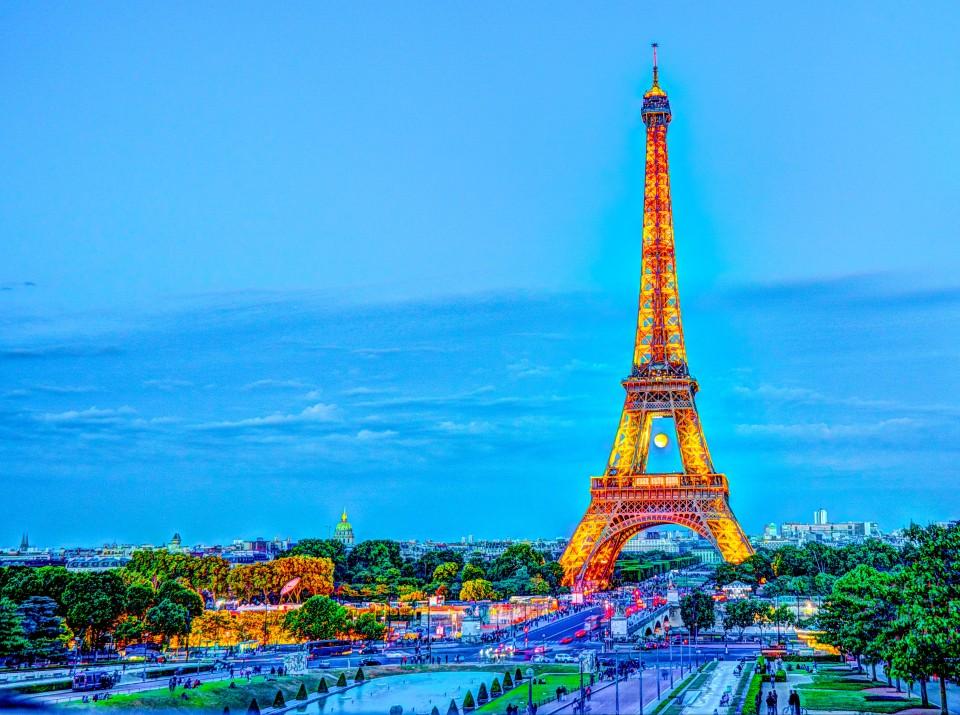 Paris Shining